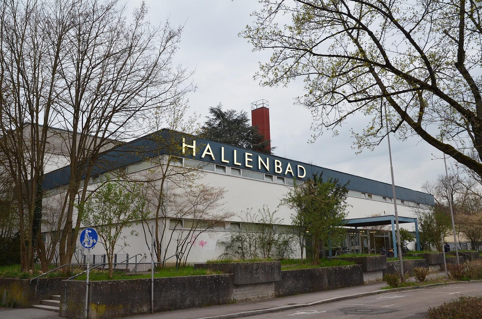 hallenbad in (32)